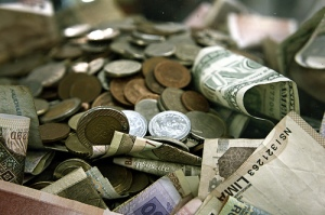 International Money Pile in Cash and Coins by epSos.de